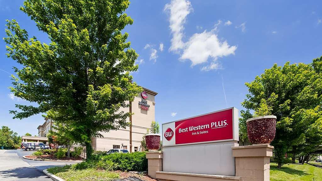 Best Western Plus Hannaford Inn & Suites - Aussenansicht