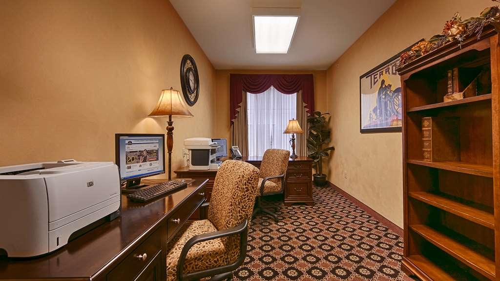 Best Western Plus Hannaford Inn & Suites - centro de negocios-característica