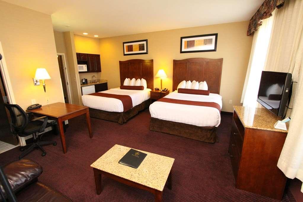 Best Western Plus Hannaford Inn & Suites - Two Queen Bed Room