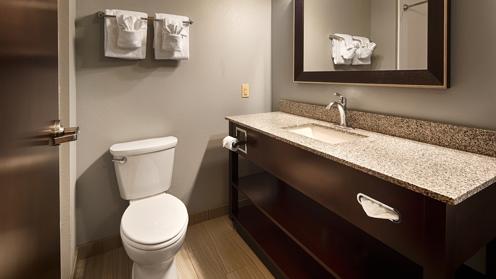 Best Western Plus Boardman Inn & Suites - Badezimmer
