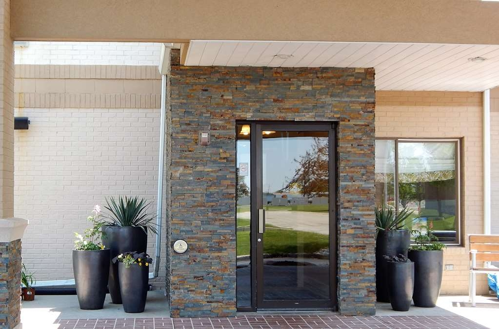 Best Western Celina - Front Entrance