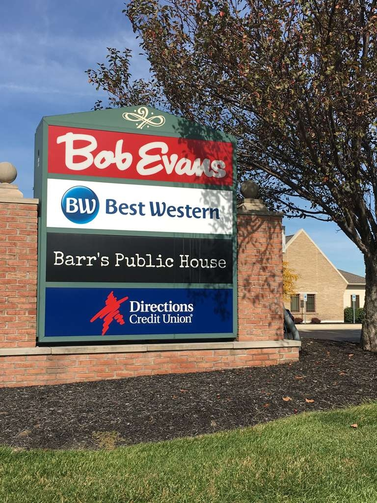 Best Western Toledo South Maumee - Several area restaurants within walking distance including Carrabba's Italian Grill, Bob Evans and Barr's Public House.