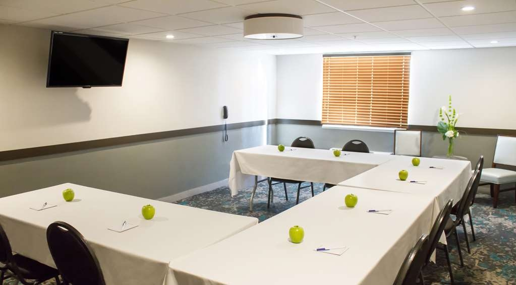 Best Western Toledo South Maumee - Planning a private meeting, Birthday Party or Baby Shower? Our onsite meeting room is the perfect place to host your next event.