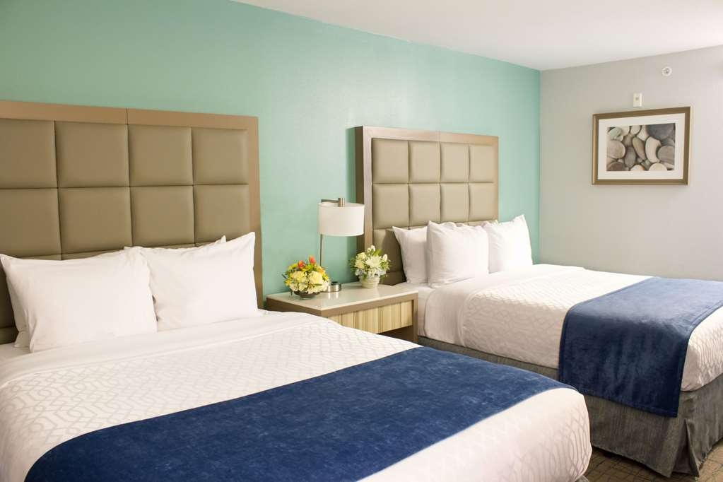 Best Western Toledo South Maumee - Outfitted with two cozy pillow-top queen beds this room will leave you feeling refreshed.