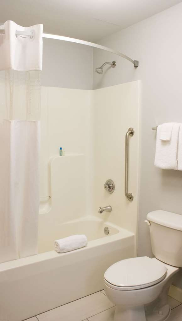 Best Western Toledo South Maumee - Enjoy getting ready in the morning in our spacious guest bathrooms!
