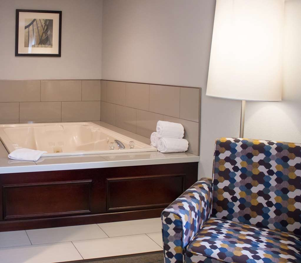Best Western Toledo South Maumee - Suite
