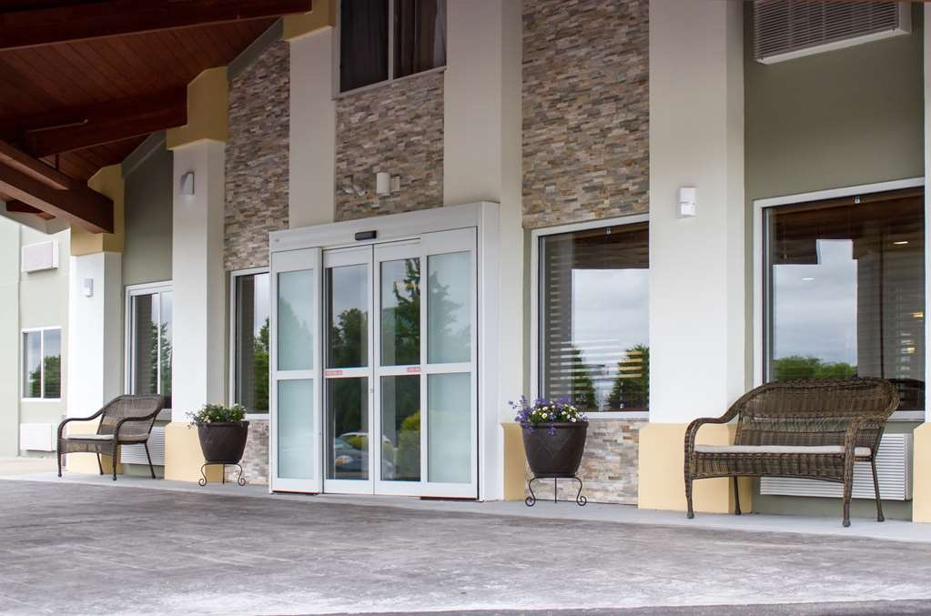 Best Western Toledo South Maumee - Exterior View - Front Entrance