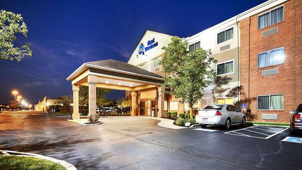 Best Western Hilliard Inn & Suites - Vista exterior