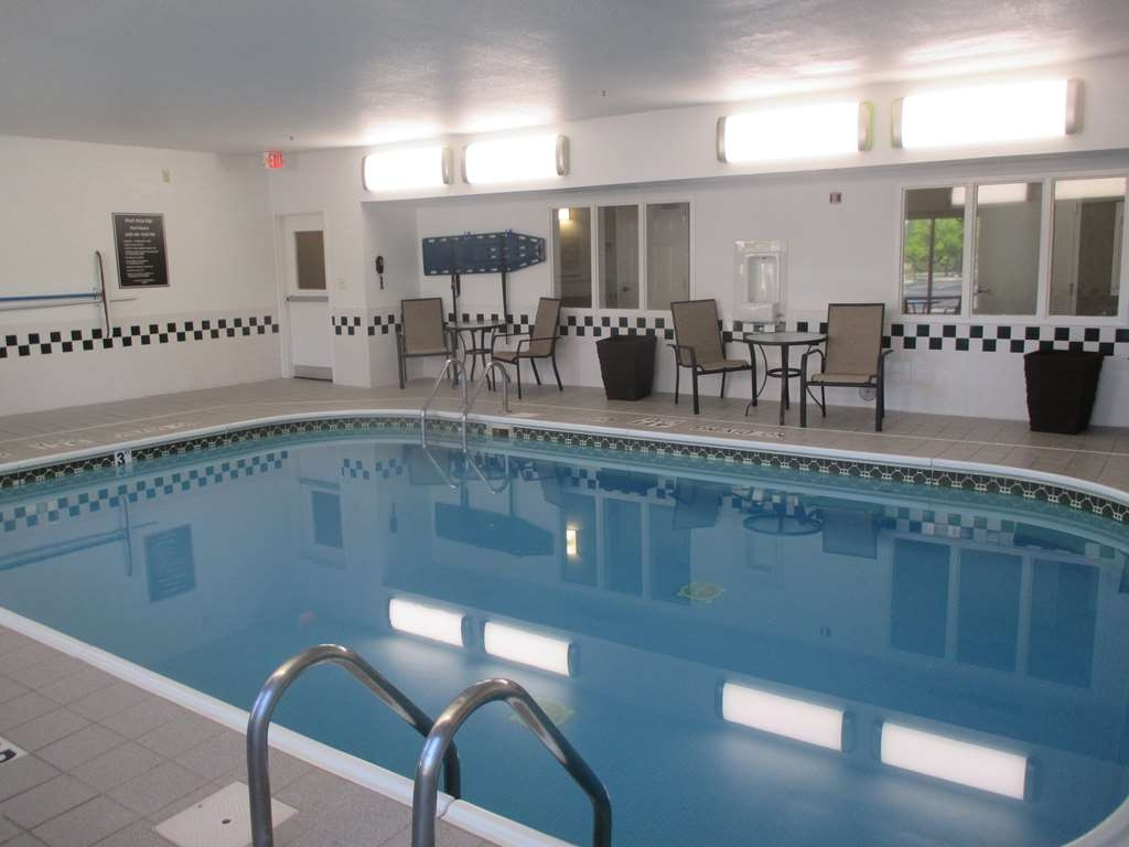 Best Western Hilliard Inn & Suites - piscina coperta