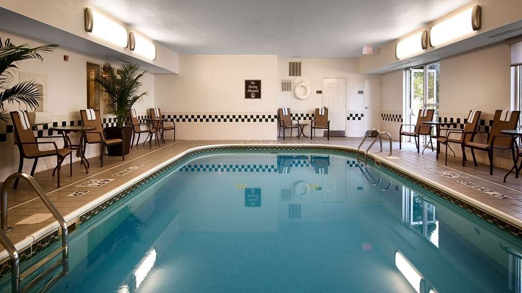 Best Western Hilliard Inn & Suites - Piscina