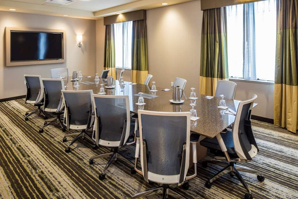 Best Western Plus Franciscan Square Inn and Suites Steubenville - Bridges Boardroom