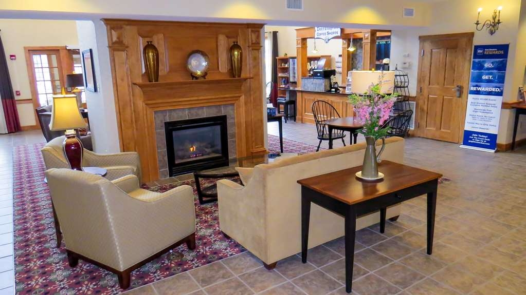 Best Western Plus Dutch Haus Inn and Suites - Lobbyansicht