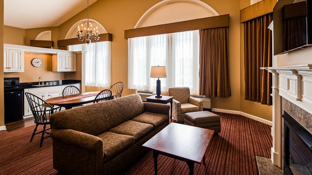 Best Western Plus Dutch Haus Inn and Suites - Suite