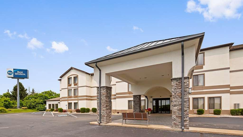 Best Western St. Clairsville Inn & Suites - Front