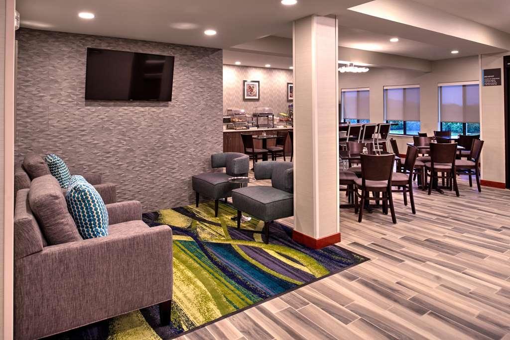 Best Western St. Clairsville Inn & Suites - Lobbyansicht