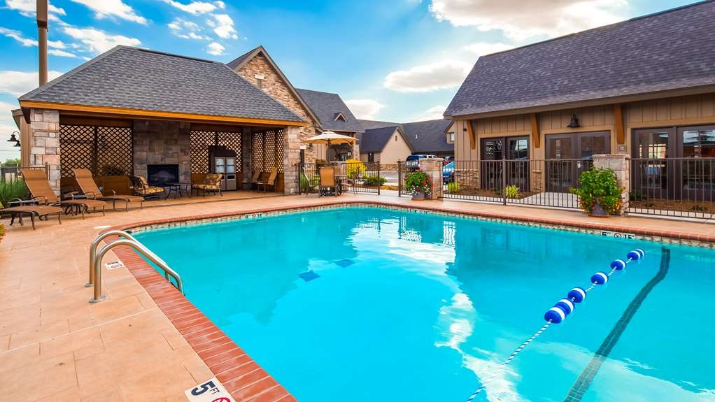 Best Western Plus Weatherford - Vista de la piscina