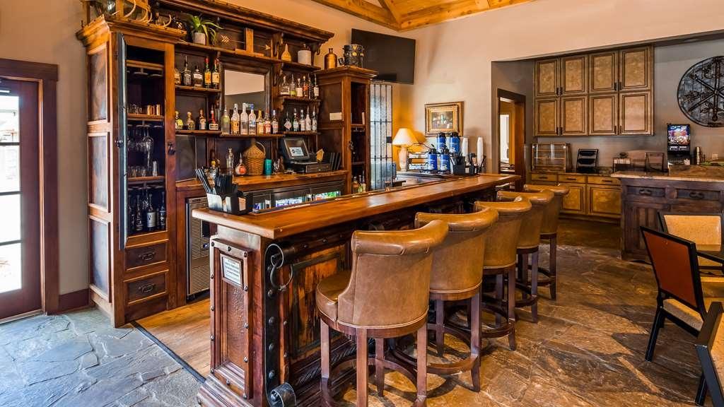 Best Western Plus Weatherford - Bar