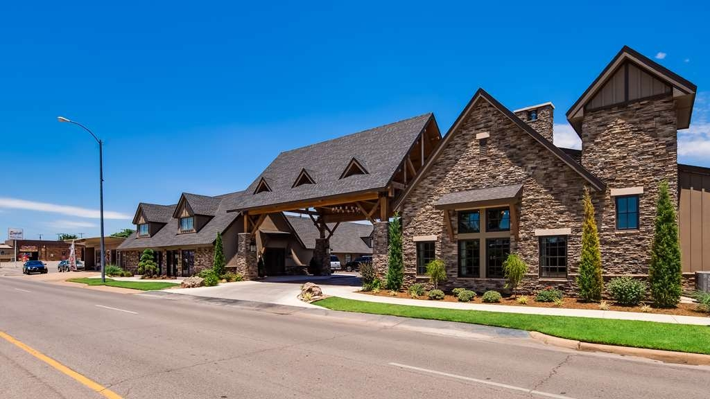 Best Western Plus Weatherford - Hotel Front