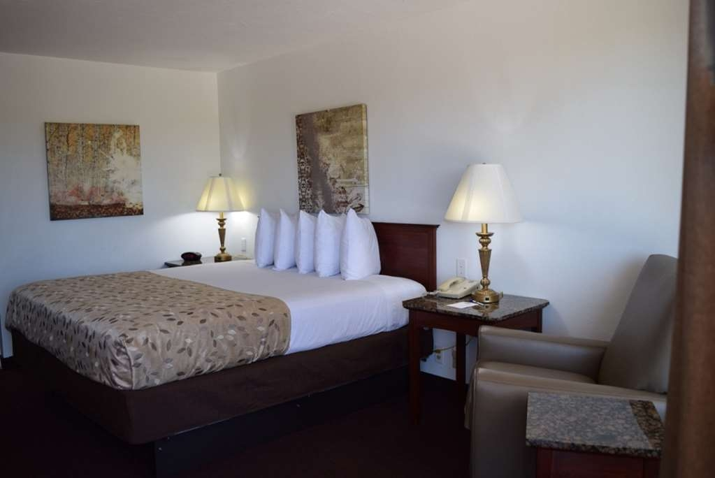 Best Western El Reno - We offer a variety of king rooms from standard to oversized to ADA mobility accessible.