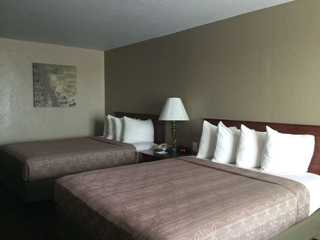 Best Western El Reno - Guest room with two Queen size beds.