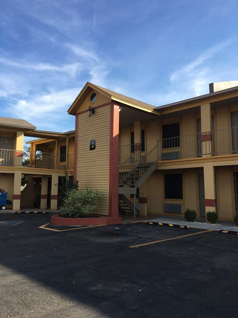 Best Western Markita Inn - Welcome to the Best Western Markita Inn! We are an exterior entrance property!