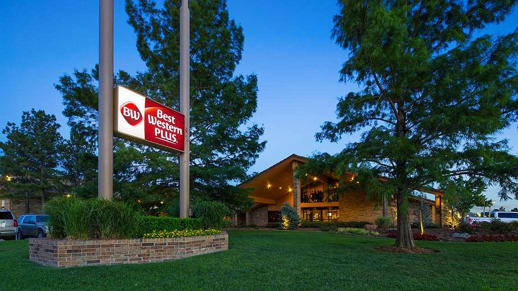 Best Western Plus Saddleback Inn & Conference Center - Aussenansicht