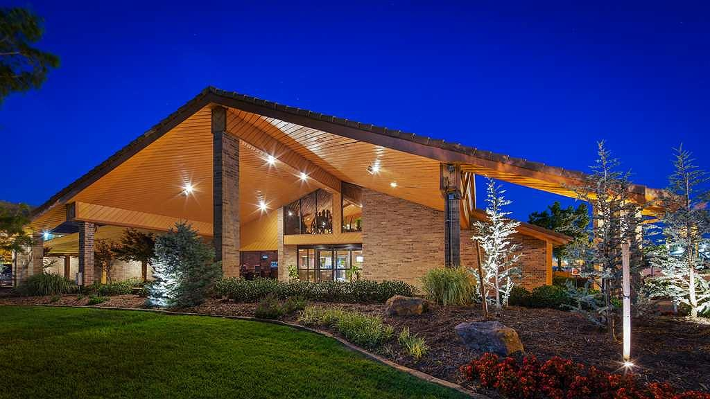 Hotel in Oklahoma City | Best Western Plus Saddleback Inn