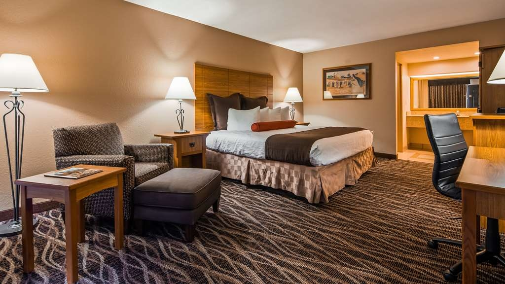 Best Western Plus Saddleback Inn & Conference Center - Our King Rooms come with microwaves, hair dryers, 42-inch TVs, personal laptop safes, free high-speed Internet access and coffee makers.