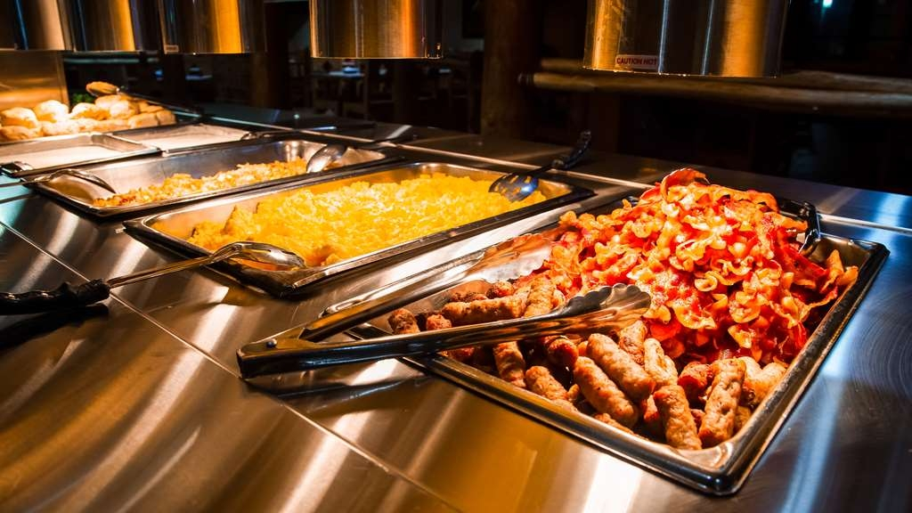 Best Western Plus Saddleback Inn & Conference Center - Our full American hot breakfast buffet is one of our most popular and commented on amenities.