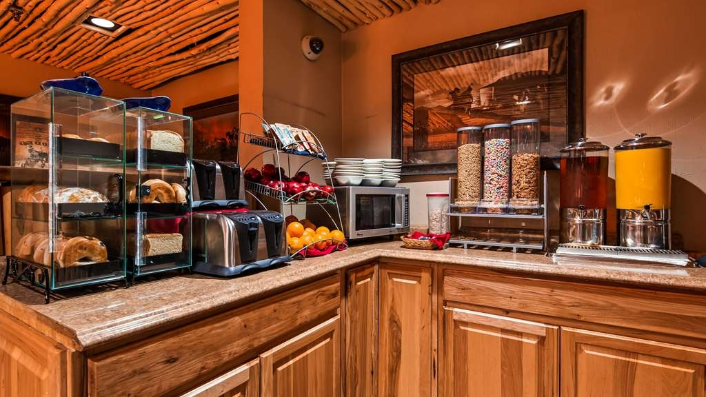 Best Western Plus Saddleback Inn & Conference Center - In additional to our full hot buffet line, we have this additional healthy breakfast area with gluten free options.