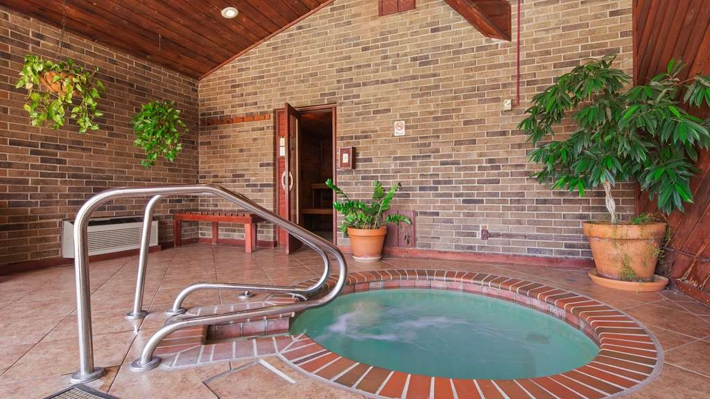 Best Western Plus Saddleback Inn & Conference Center - Hot Tub