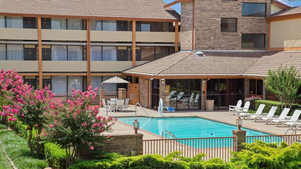 Best Western Plus Saddleback Inn & Conference Center - Outdoor Pool