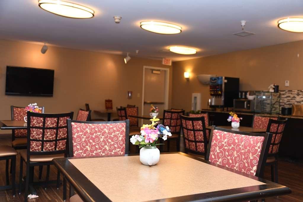 Best Western Okmulgee - Breakfast Area