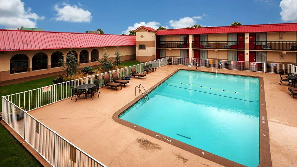 Best Western Airport - Take a refreshing swim in our outdoor pool.