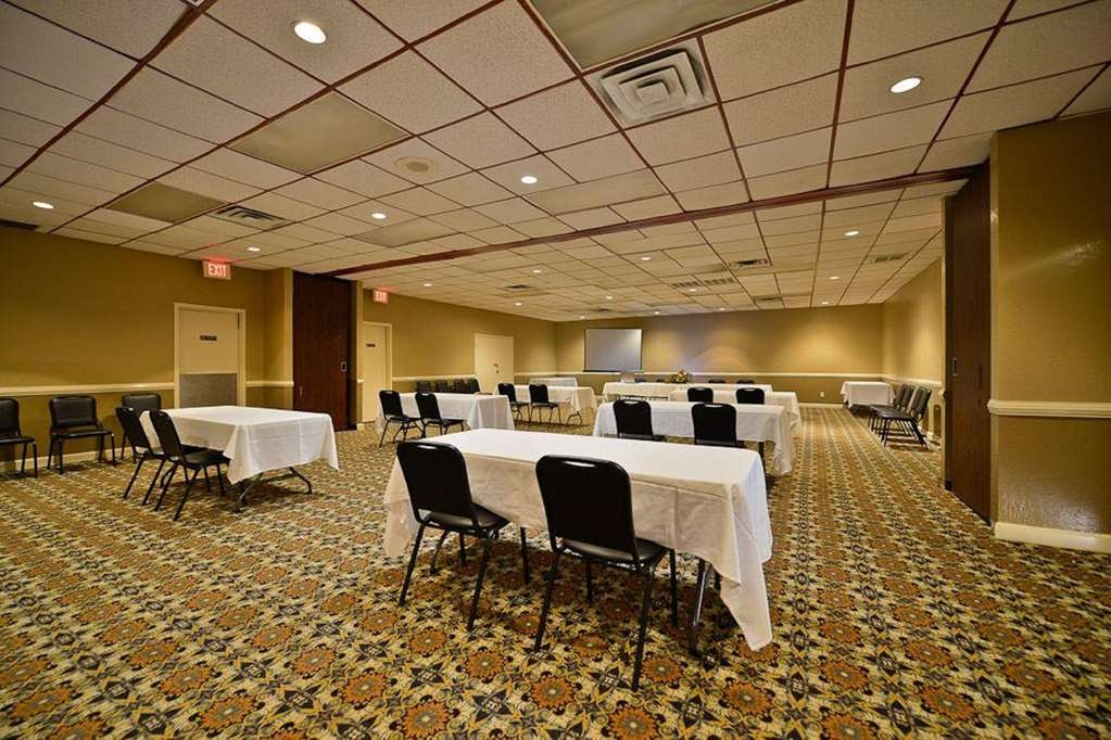 Best Western Airport - Everyone using our conference facilities qualifies for a discounted room rate as well, so call or email us today.
