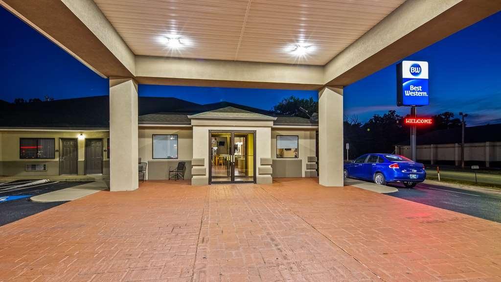 Best Western TimberRidge Inn - Facciata dell'albergo