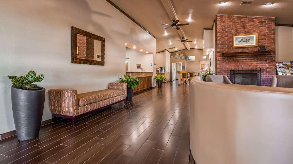 Best Western TimberRidge Inn - Lobby