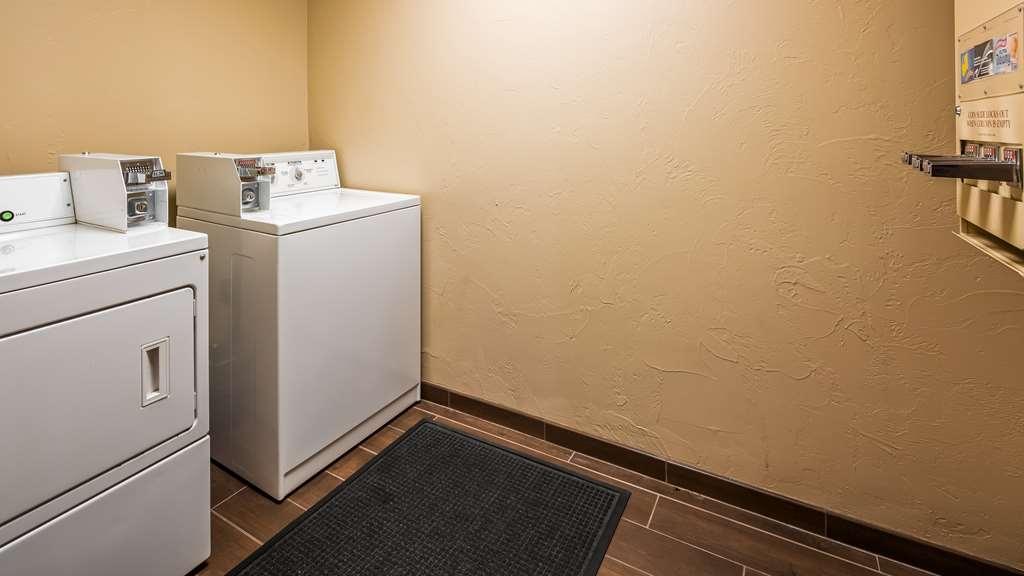 Best Western TimberRidge Inn - Laundry Facility