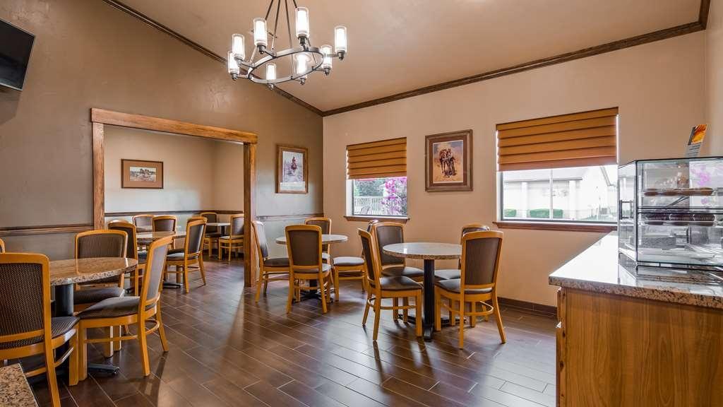 Best Western TimberRidge Inn - Breakfast Room