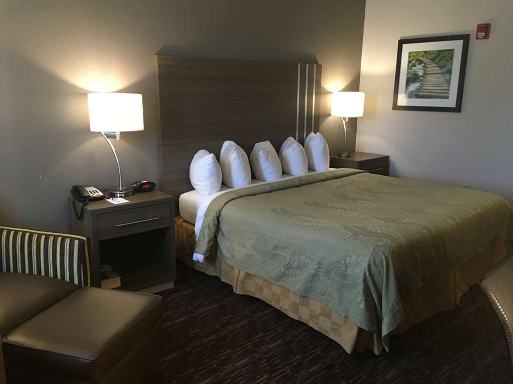 Best Western Edmond Inn & Suites - We offer a variety of king rooms from standard to mobility accessible.