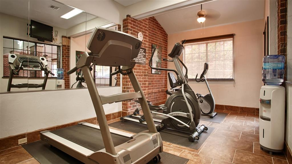 Best Western Edmond Inn & Suites - Keep up with your normal routing by using our on-site fitness center.