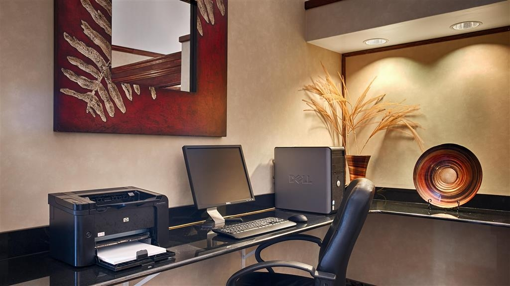 Best Western Edmond Inn & Suites - Catch up on your emails in our business center featuring free Wi-Fi.