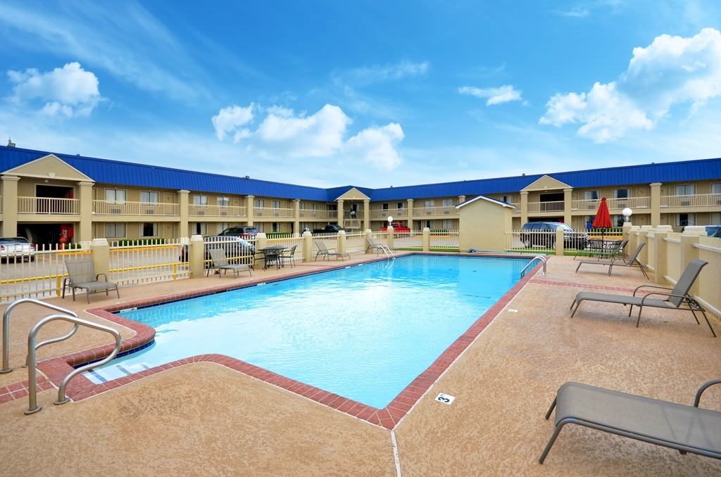 Best Western Inn of McAlester - Piscina
