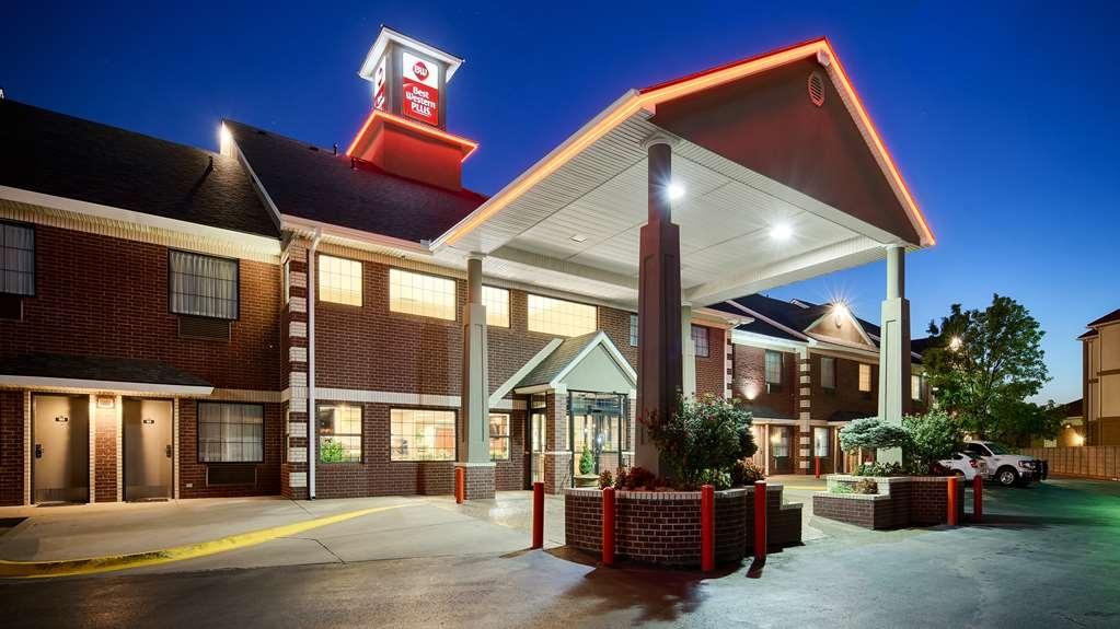 Best Western Plus Yukon - Facciata dell'albergo