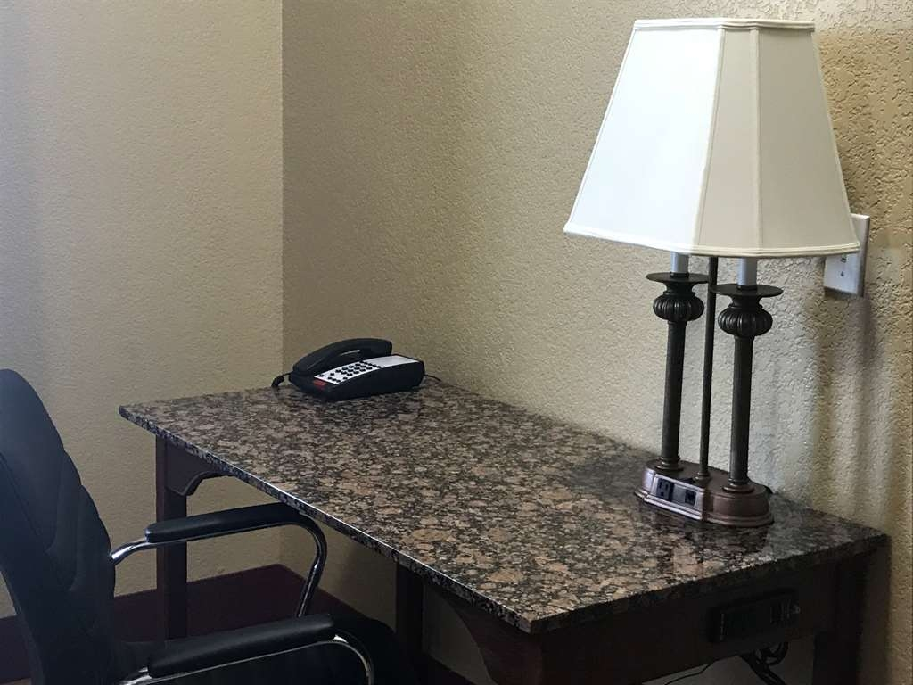 Best Western Plus Yukon - Enjoy the spacious desk with easy access to outlets.