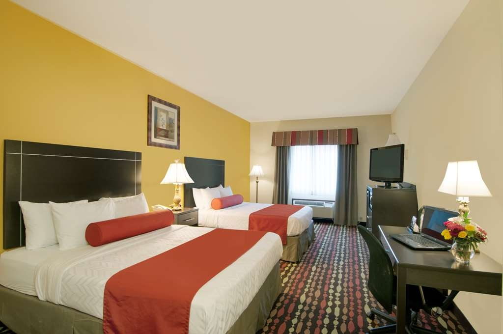 Best Western Greentree Inn & Suites - Bring your whole family along for the trip to stay in our two queen bed guest room at our Moore, Oklahoma hotel.