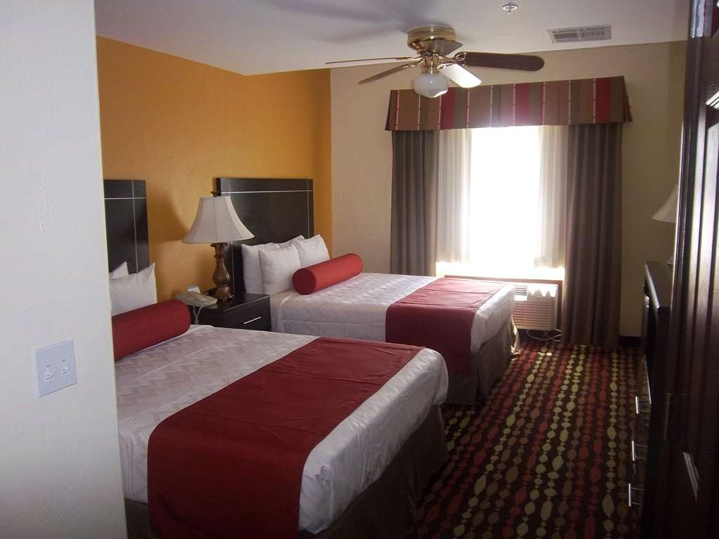 Best Western Greentree Inn & Suites - Give your family a comfortable night of sleep in our two queen bed guest room.