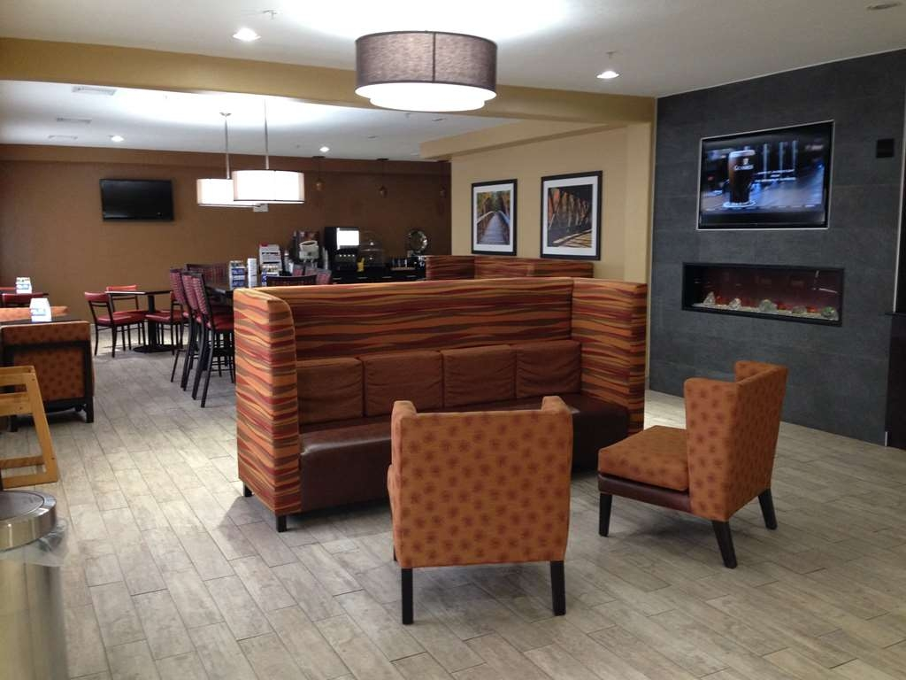 Best Western Greentree Inn & Suites - Lobby