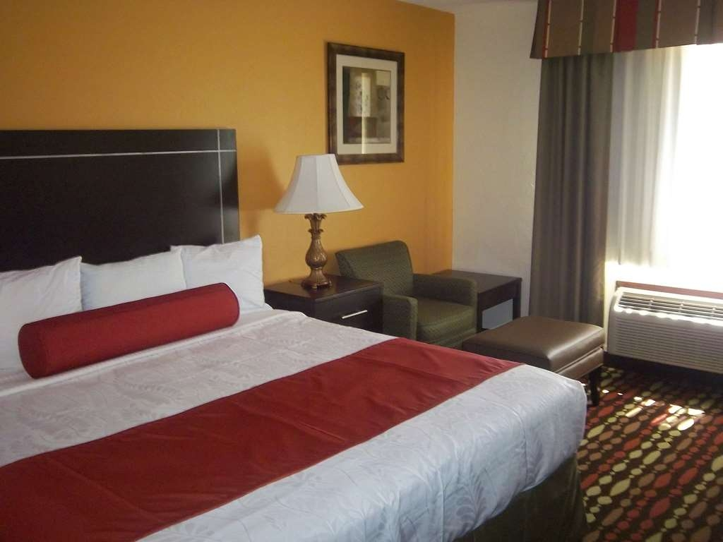 Best Western Greentree Inn & Suites - Relax in our king guest room and catch up on what's happening with our flat screen TV and wireless high-speed Internet.