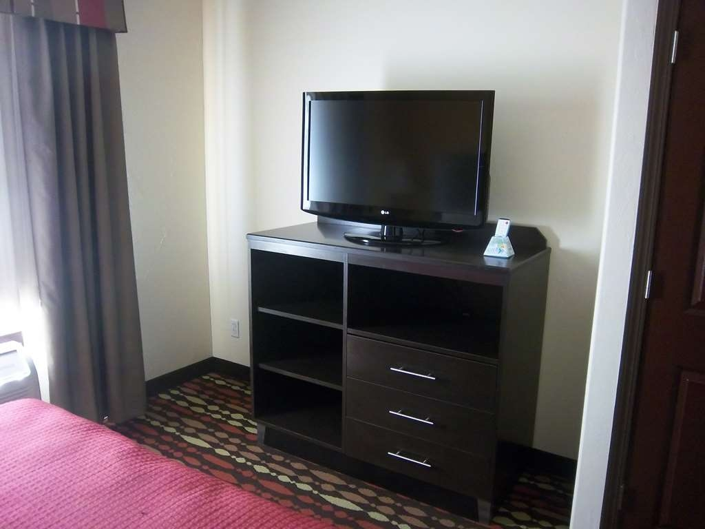 Best Western Greentree Inn & Suites - Each of our guest rooms and suites are equipped with a flat screen television for your convenience.